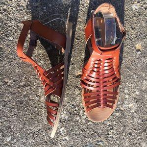 Steve Madden leather woven gladiator sandals 10